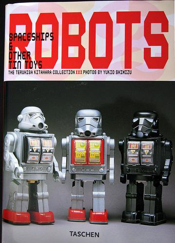 1000 robots, spaceships & other tin toys by Teruhisa Kitahara